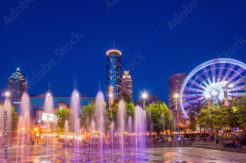 Fotobehang Verenigde Staten Centennial Olympic Park in Atlanta during blue hour after sunset