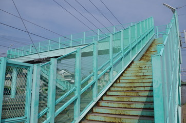 水色の跨線橋