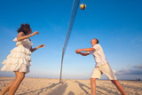 Fototapeta couple playing volleyball