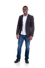 Afro Amerikanischer Geschäftsmann lächelt im leeren Raum