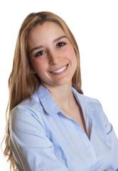 Portrait einer Sekretärin mit langen blonden Haaren