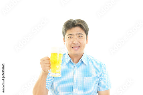 canvas print picture ビールを飲む男性