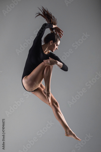 Foto op Canvas Dance School Acrobatic jump