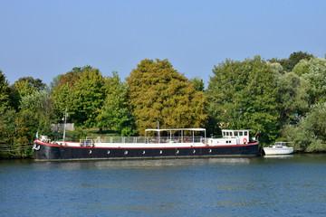 France, the picturesque city of Triel sur Seine