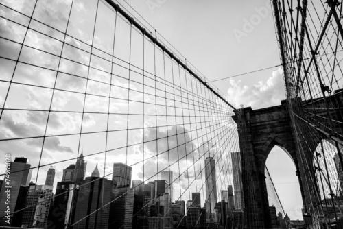 Poster New York City, Brooklyn Bridge skyline black and white