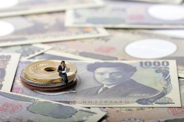 お金と悩めるサラリーマン
