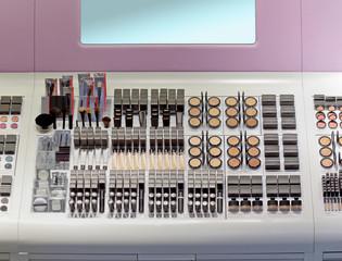 Shelf makeup
