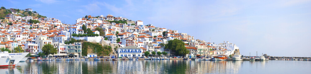 Panoramic foto of Skopelos city