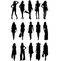 Группа молодых девушек