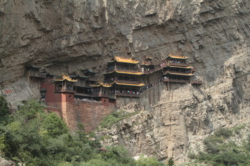 Das Hängende Kloster Xuankong Si bei Datong in China