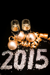 2015 new years eve party table champagne flute ribon glitter