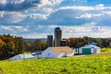 Barn and silos on a farm in rural York County, Pennsylvania.