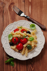 Salad with cold pasta and vegetables