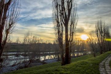 Raggi sul fiume