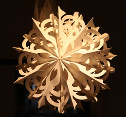 beleuchteter Papierstern