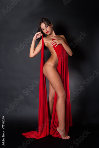 Nude body covered with a reb fabric - 75106240