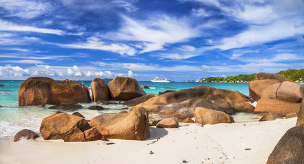 red rocks and turquoise waters of amazing Seychelles, Praslin