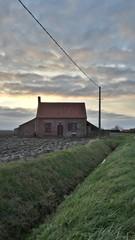 Maison abandonnée dans la campagne.