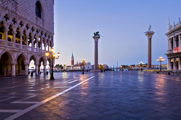 Alba in piazza San Marco