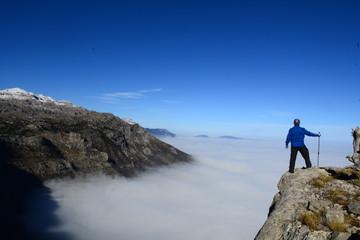 uçurumdan dağları izlemek