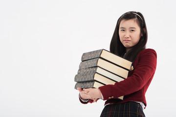 스튜디오 안의 여자 고등학생