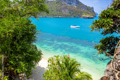Fotobehang Eilanden View from mountain on Angthong Marine National Park