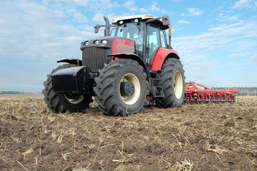 Tractor makes tillage
