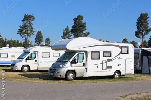 Fotobehang Kamperen Wohnmobil auf dem Campingplatz