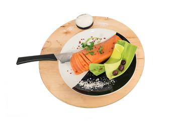 Centrotavola in legno con trancio di salmone affumicato