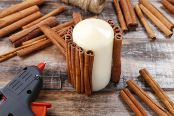 How to make candle decorated with cinnamon sticks tutorial