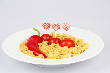 Pasta With Red Pepper and Tomatoes