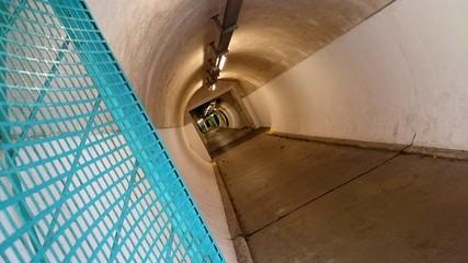 Tunnelblick türkisfarbenes Gitter