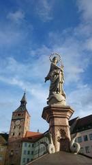 Statue und stadtturm landsberg