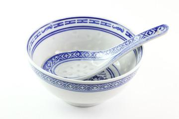 Ciotola cinese con il suo cucchiaio