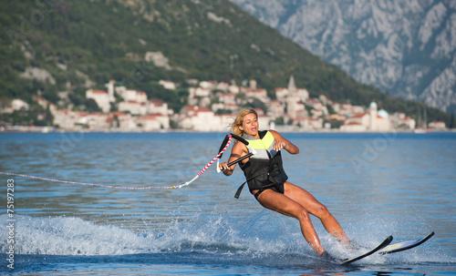 water skiing - 75197283