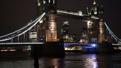 Tower Bridge Lift at Night, zoom out