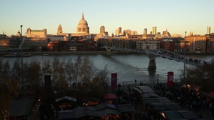 St Paul's Cathedral, seen from Tate Modern, pan