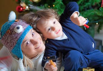 Mamma e bimbo a Natale