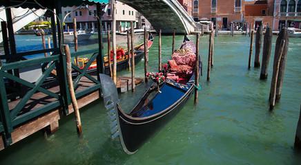 Venezia gondola in laguna