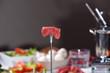 Fleisch auf Fonduegabel