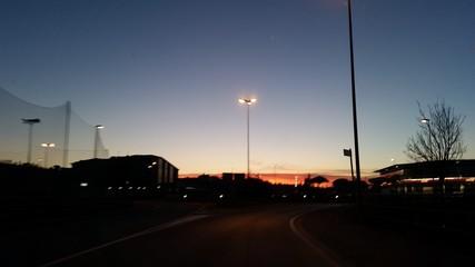 Sulla strada nell'oscurità
