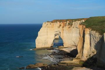 Falaises d'étretat en Normandie, France