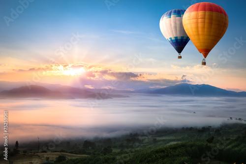 Hot air balloon over sea of mist - 75259061