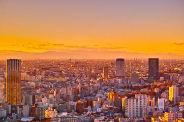 東京の夕暮れ