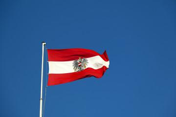Österreich Flagge, Fahne mit Staatswappen