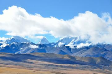 Тибетское плато, вид на Эверест и восьмитысячники Гималаев