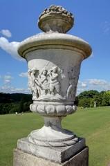 statue dans un jardin anglais