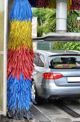 Automobile al lavaggio