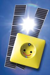 Sonnenkollektoren, Steckdose und Strommasten