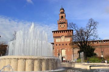 Schloss Sforzesco am Piazza Castello in Mailand (Italien)
